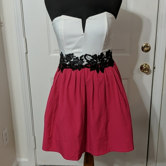 29973a1e092 Francesca s Collection Floral Pink Strapless dress